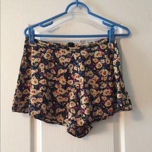 Flower flowy shorts